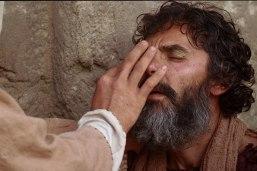 80_jesus-heals-a-man-born-blind_900x600_72dpi_2