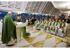 pope-at-mass-at-casa-santa-marta